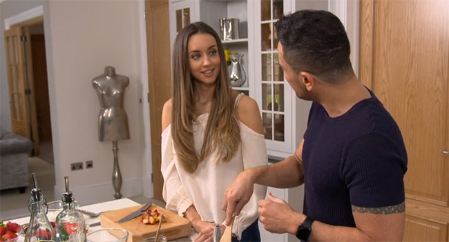peter andre wife emily macdonagh making pancakes