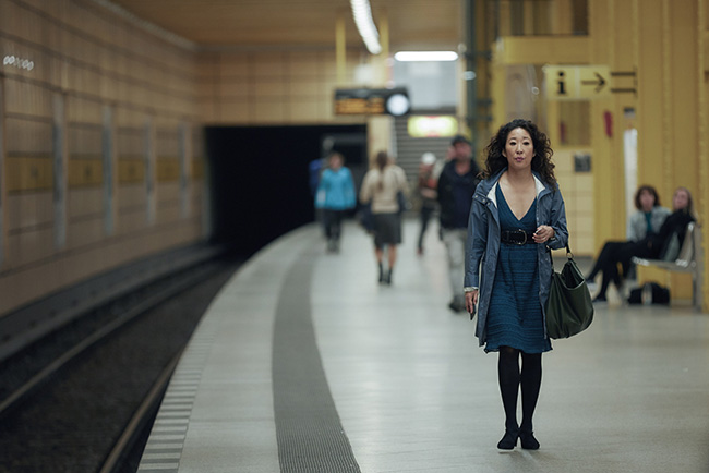 killing-eve-sandra-oh-train