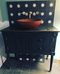 Tamzin-Outhwaite-house-bathroom-sink