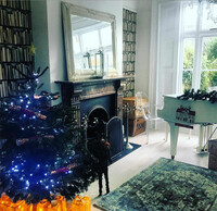 Tamzin-Outhwaite-house-lounge-piano