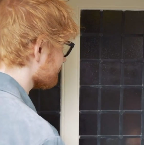 ed-sheeran-ivy-cottage-door