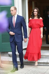 kate-Middleton-red-dress-berlin-party