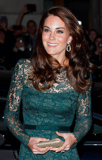 kate-middleton-earrings-portrait-gala