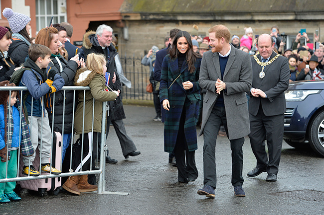prince-harry-meghan-markle-arrive-scotland
