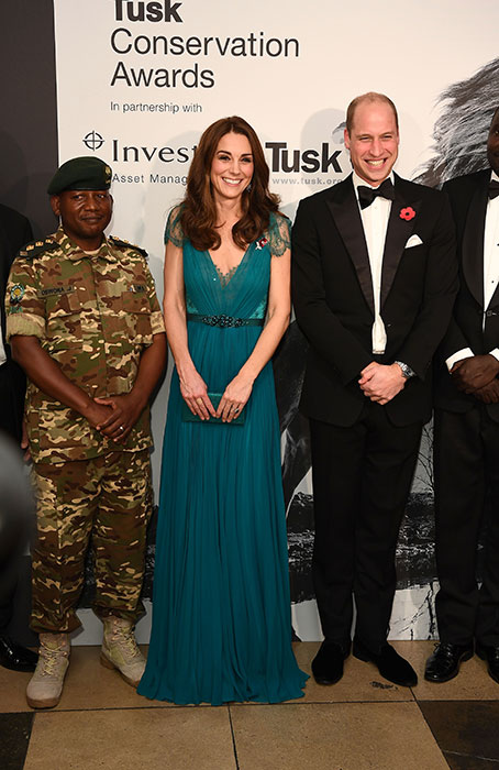 Prince-William-Kate-Tusk-pose