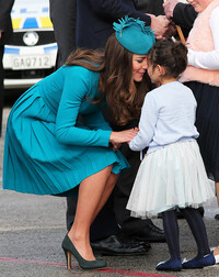 kate-middleton-greeted-with-a-hongi-