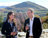 kate-william-sample-red-wine-as-the-visit-Otago