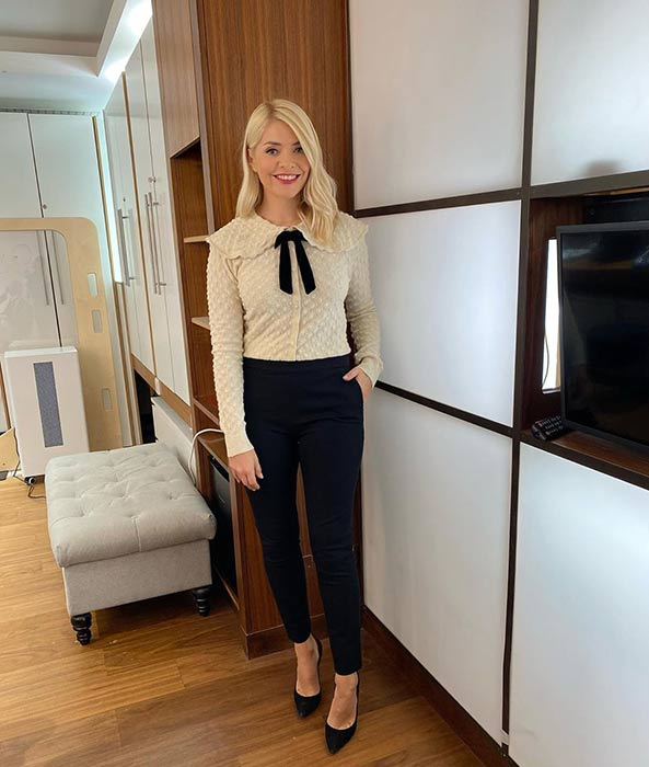 holly-willoughby-blouse